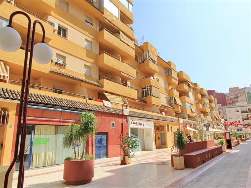 Квартиру в кальпе испания шоппинг